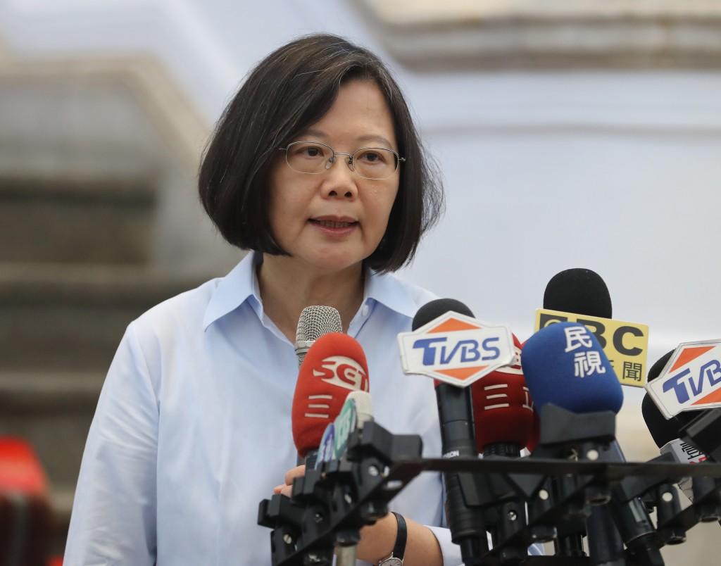 總統蔡英文12日接受媒體採訪,譴責北京干預台灣民主及新聞自由(照片來源:中央社提供)