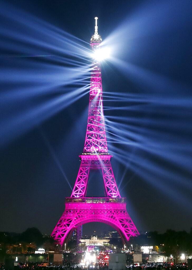 艾菲爾鐵塔(La Tour Eiffel) 130歲生日。(照片來源:美聯社)