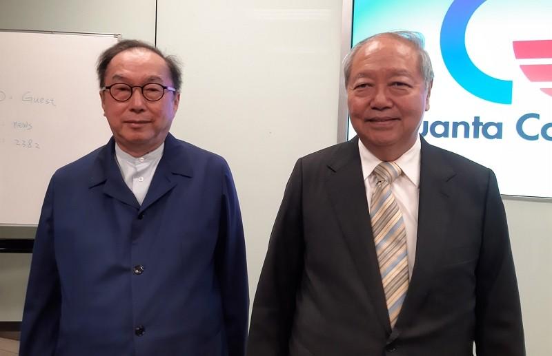 廣達電腦董事長林百里(左)、副董事長梁次震(右)  (圖/中央社)