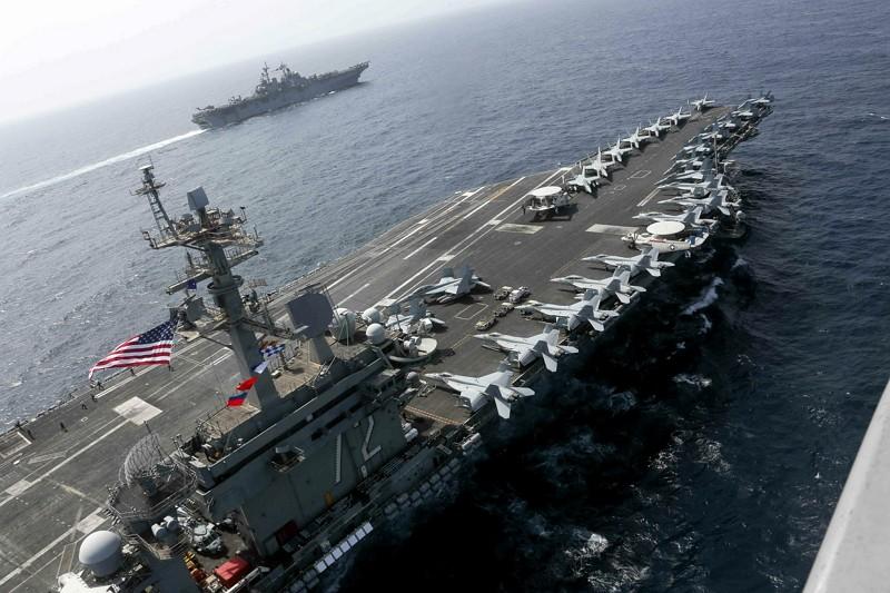 林肯號戰鬥群在阿拉伯海行駛(AP)