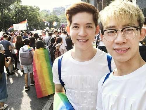 Ting Tse-yan (丁則言, right) and Guzifer Leong (梁展輝)