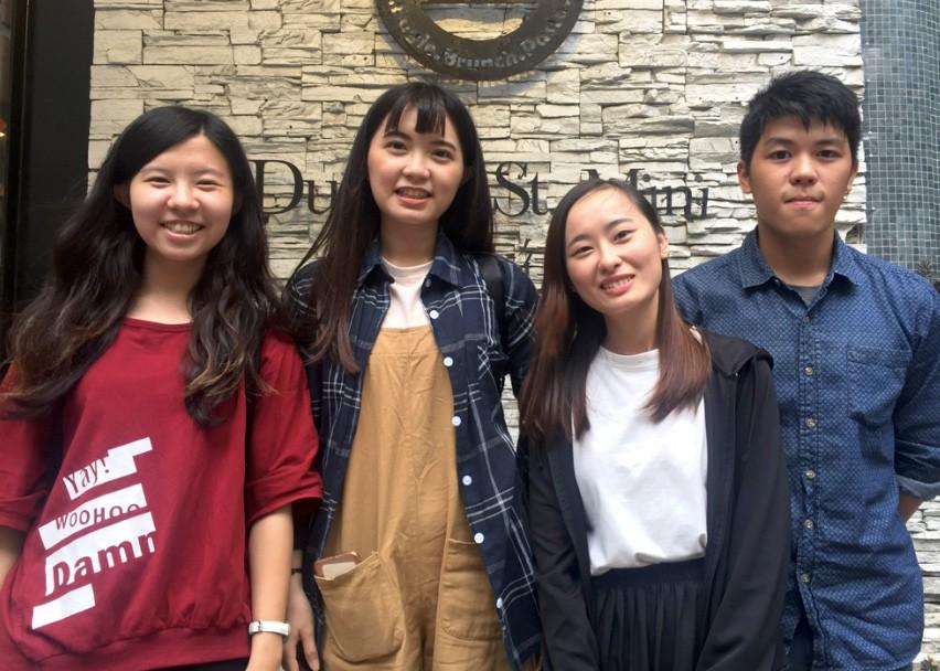 銘傳大學商品設計系藍芷謙(左)、鄧郁玟(左2)、新住民呂巧棉(右2)、吳翰(圖/台灣英文新聞Lyla)