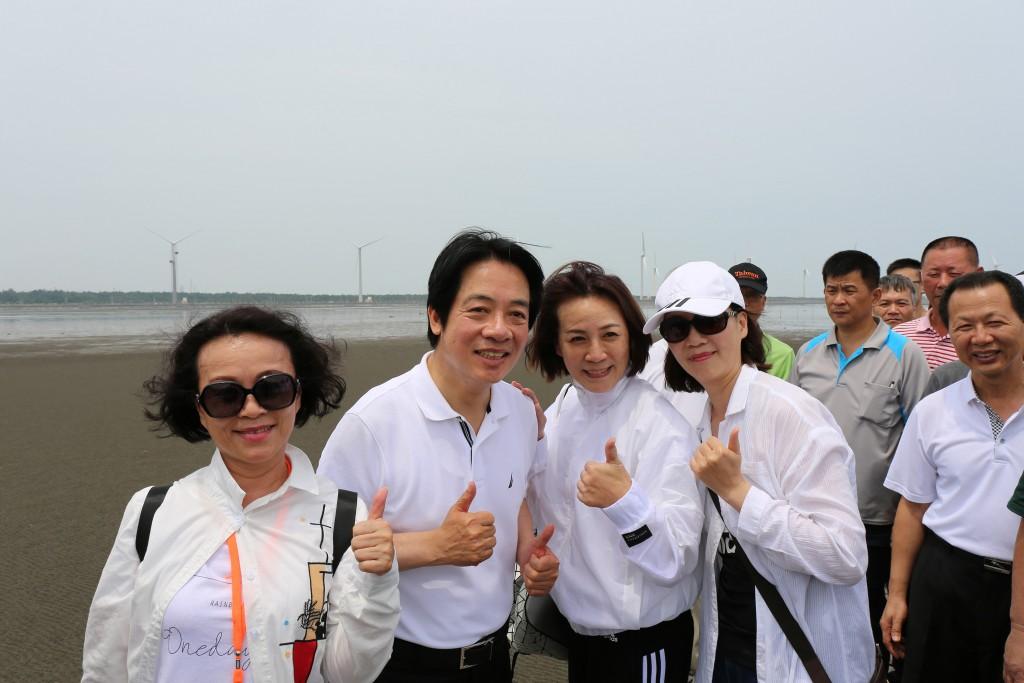 前行政院長賴清德26日走訪台中高美濕地(照片來源:中央社提供)