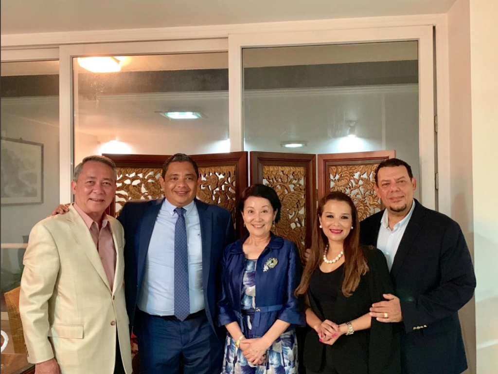 Taiwan's Ambassador to Honduras Ingrid Hsing (3rd-Left) meets with Honduran Second Vice President Olga Margarita Alvarado (2nd-Right) on May 24 (Scree...
