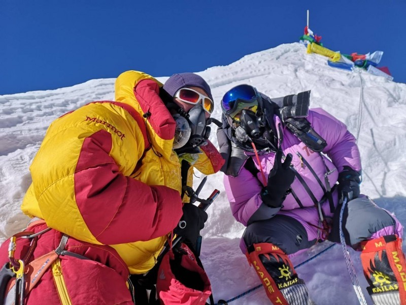 Taiwanese female climber summits Mt. Everest amid deaths