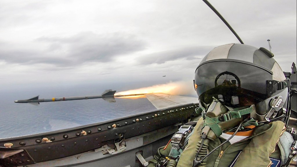 View inside cockpit of IDF fighter jet. (Military News Agency photo)