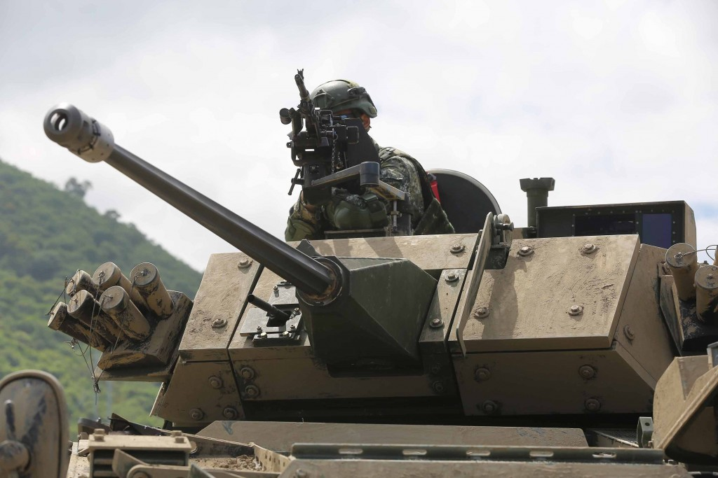Taiwan's army repulses simulated Chinese beach assault