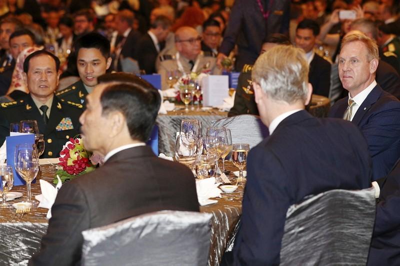 美國國防部代理部長夏納翰(右一)(AP)