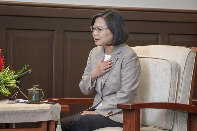 圖為總統蔡英文3日接見中國民運人士陳破空等人(照片來源:總統府提供)