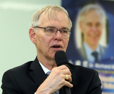 Former AIT Chairman Richard Bush speaking at a seminar in Taipei Wednesday June 5