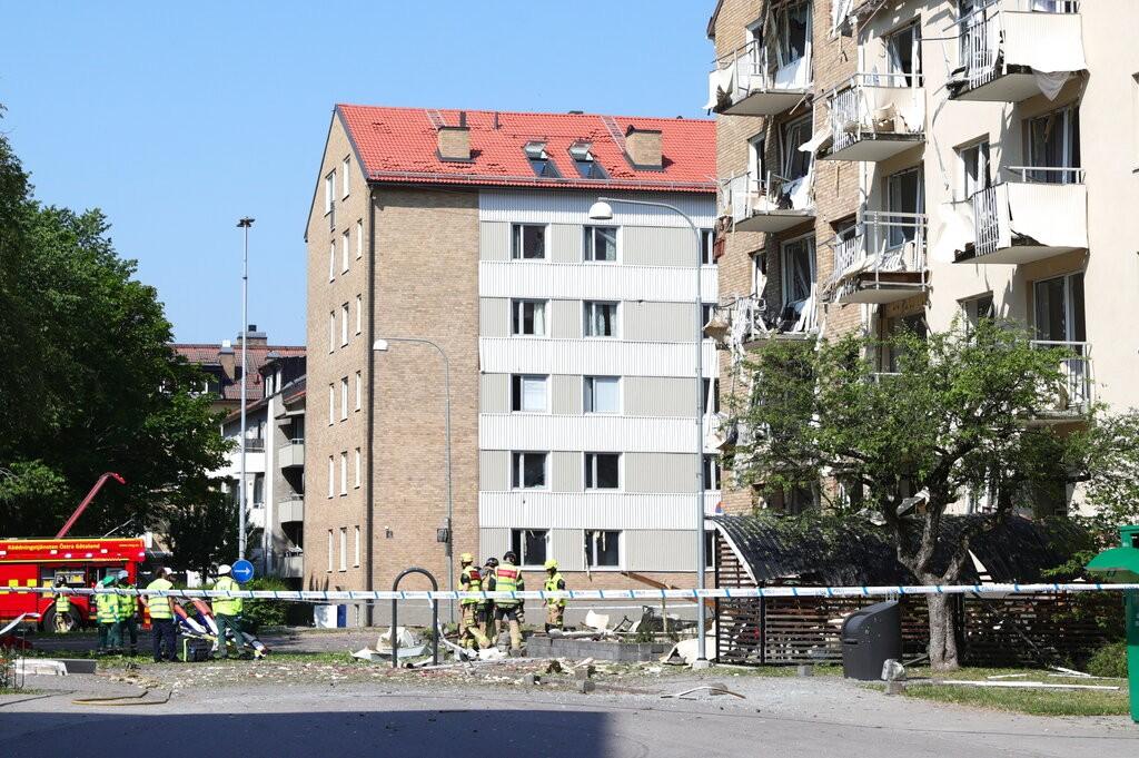 瑞典南部城市林雪坪7日驚傳公寓大樓發生強烈爆炸事件(照片來源:美聯社提供)