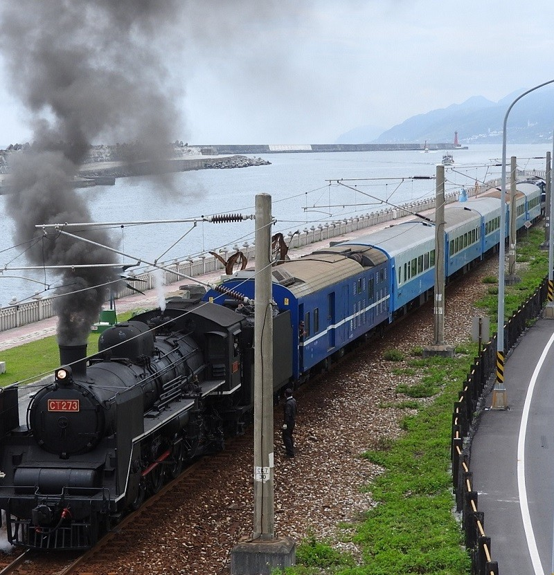 "The steam locomotive, dubbed ""the Queen of Locomotives,"" pulls into Hualien Port Station. (Orrin Hoopman photo)"