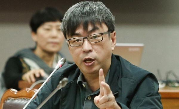 DPP Legislator Tuan Yi-Kang