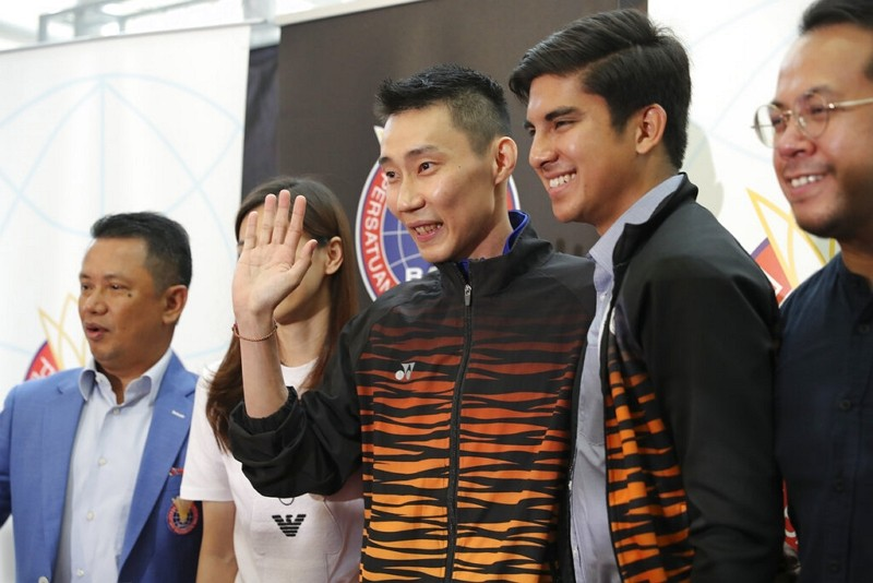Lee Chong Wei at his retirement press conference (AP photo)