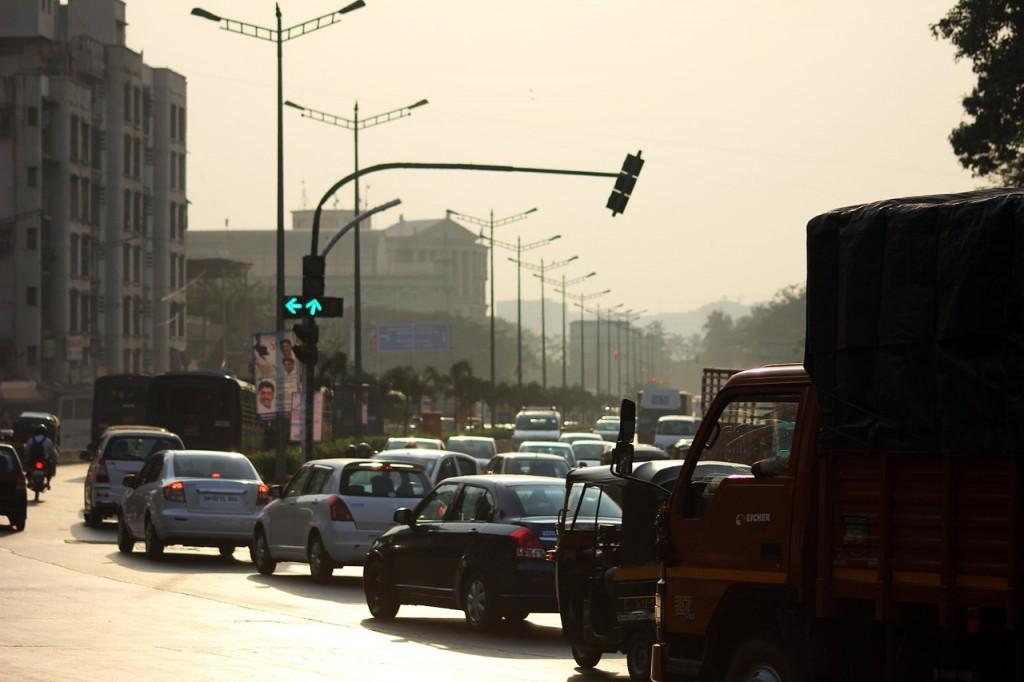 印度孟買市塞車一景(圖/ pixabay)
