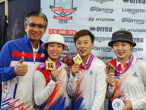 (From left to right) Taiwan's women recurve team coach Ni Ta-chih, Tan Ya-ting, Lei Chien-ying and Peng Chia-mao. (Photo contributed by Ni Ta-chih)