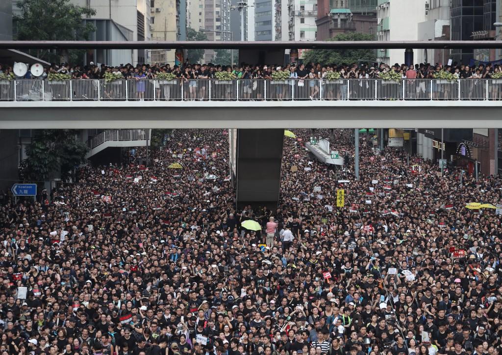 香港泛民主派團體民間人權陣線16日再發起反修訂逃犯條例大遊...