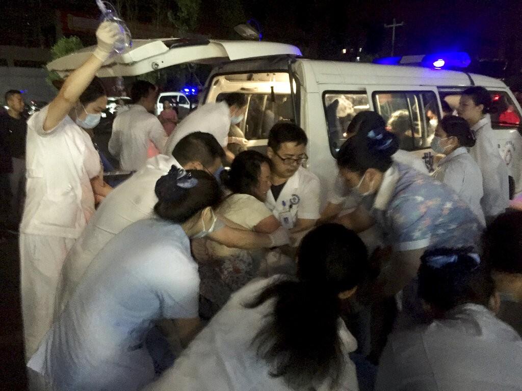 中國四川省昨(17)日晚間發生規模6.0級地震,震源深度16公里,目前已知造成11死122人輕重傷。(圖/美聯社)