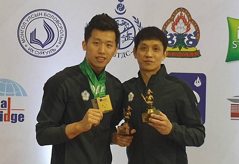 李智凱 (左) (圖/中央社)
