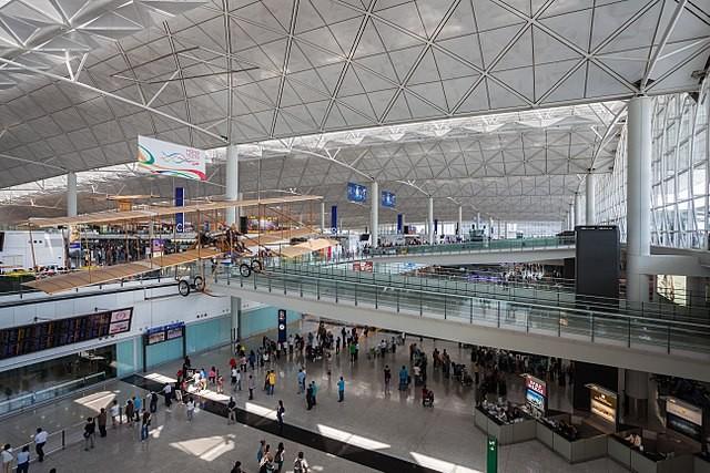 香港國際機場(來源 維基百科 by Diego Delso)
