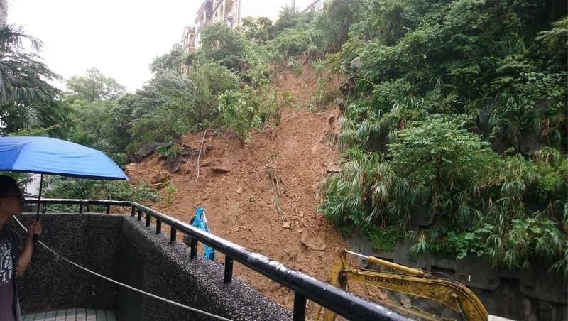 【快訊】汐止秀山路坍方151戶受影響 雲林也傳淹水災情