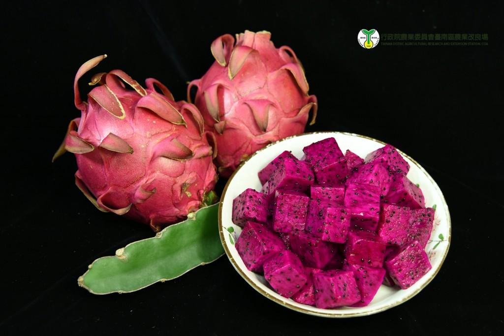 紅龍果品嘗好時節 豐富營養又可入菜