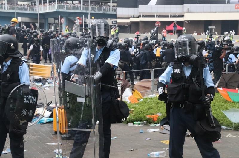 【反送中】英國外相決定暫停對香港出口 催淚瓦斯等鎮暴設備