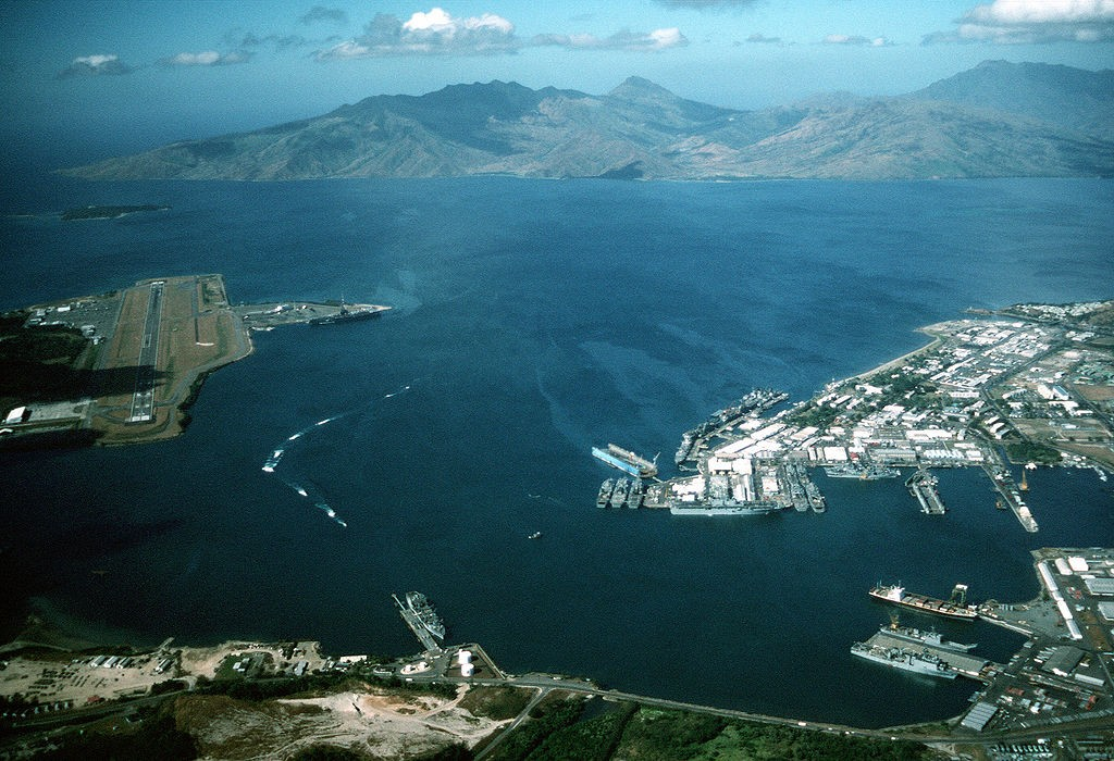 Photo of Subic Bay in 1990, with US Naval base (R) and air station (L)