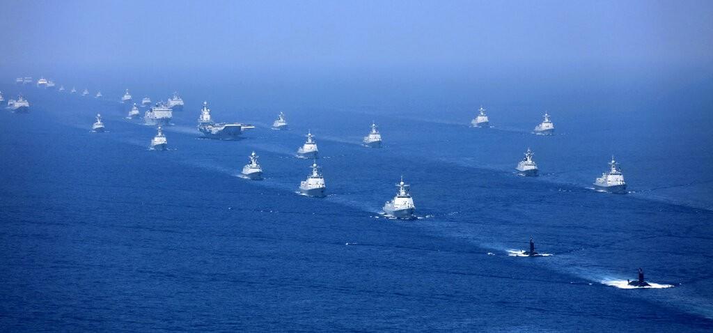 中國軍方船隻曾大量出現於南海(來源 美聯社)