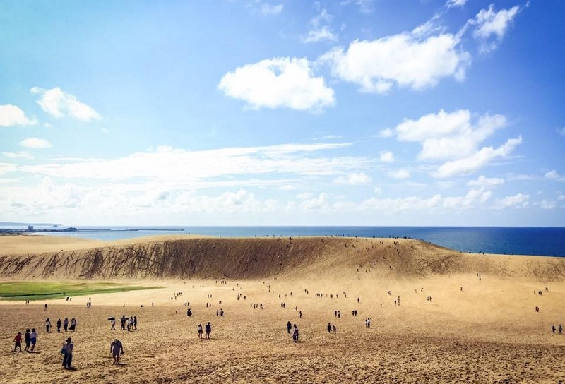 Tottori sand dunes (Photo courtesy of Kirque Leung)