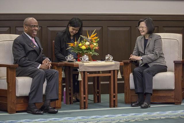 聖文森副總理2018年3月28日與總統蔡英文見面(圖/ 總統府)
