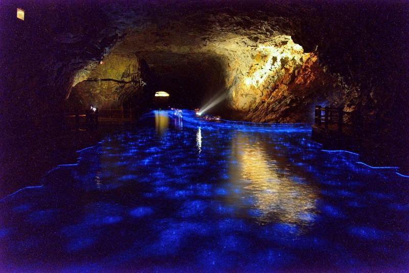 Blue Tears in Beihai Tunnel (Matsu National Scenic Area photo)