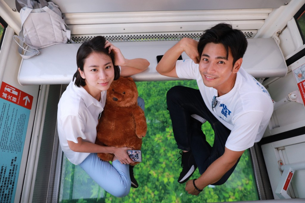 Thai blogger Mint (left) (Taipei City photo)