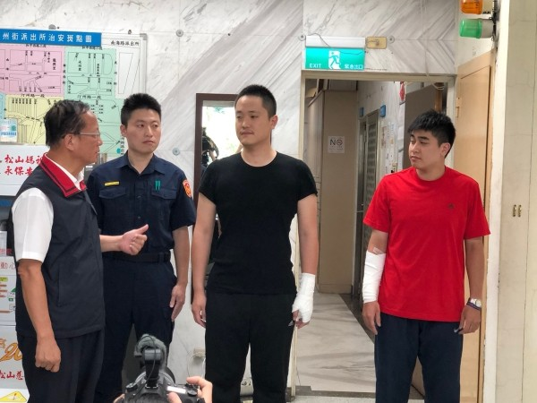 Taipei Police Commissioner Chen Jia-chang (left), Wen (center), Lee (right).