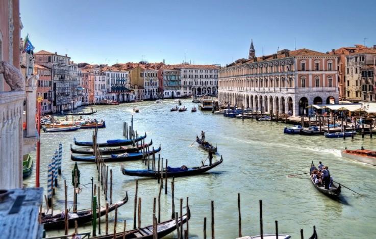 威尼斯通過保護市容新法,請遊客發揮公德心否開罰(圖/Pexels)