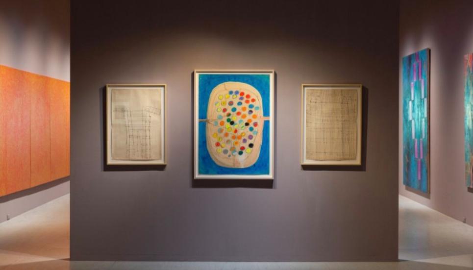 「她的抽象」展出多位女性藝術家創作(田中敦子「電氣服」/北美館提供)