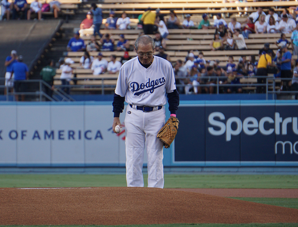 Stanley Kao takes the pitcher's mound in L.A. on Friday, Aug. 2