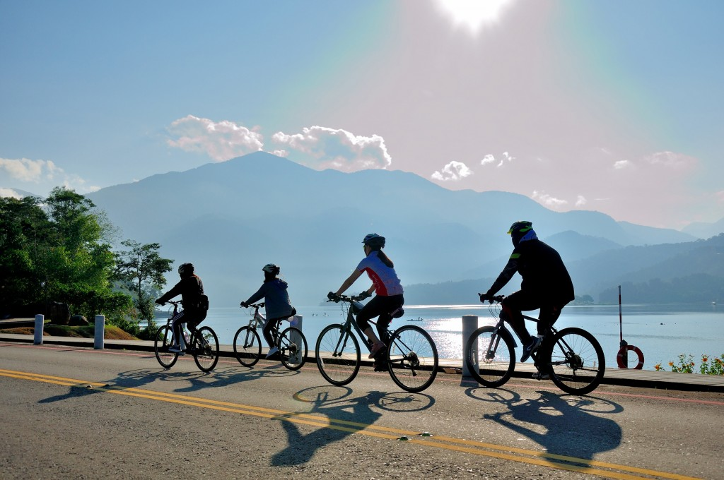 Sun Moon Lake to give special  benefits to foreign bike renters for Come! Bikeday event in October-November.