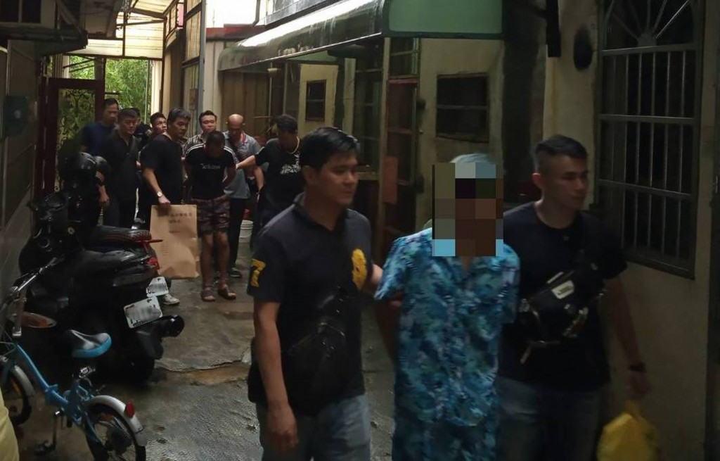 Police freed a Vietnamese man abducted by compatriots.