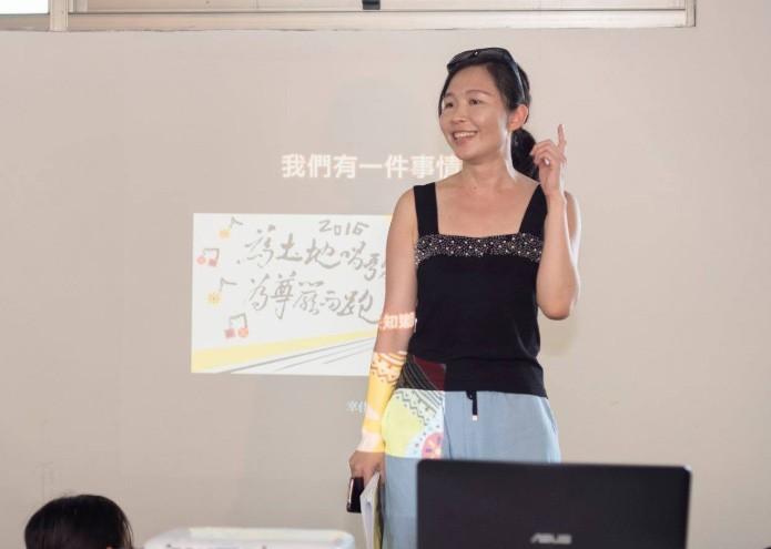 金鼎獎特別貢獻獎殊榮由兒童文學創作及研究者幸佳慧獲得(圖擷取自幸佳慧臉書)
