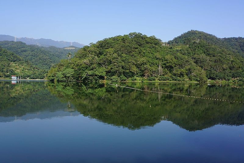 Longtan Lake (Wikipedia photo)