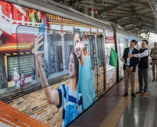 Mumbai's decorated trains promotes tourism in Taiwan. (CNA photos)