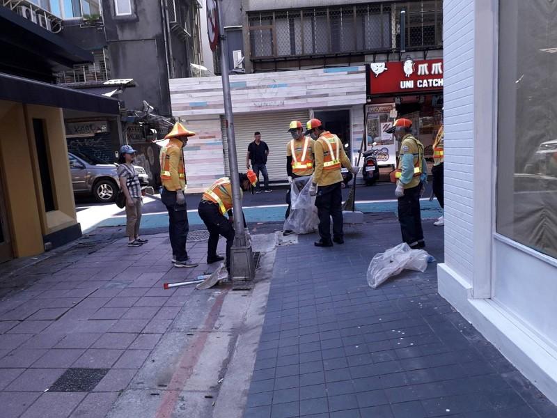 Taipei carries out dengue disinfection (Taipei City photo)
