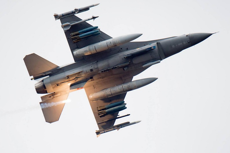 F-16 Fighting Falcon (US Air Force photo)
