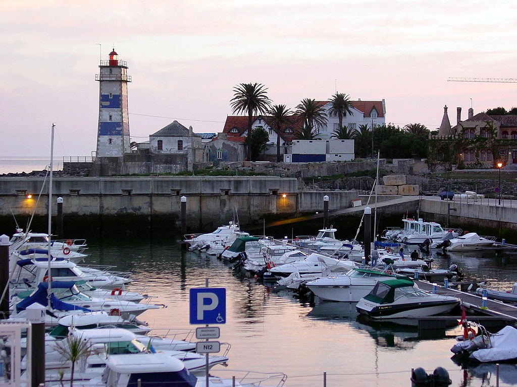 The Portuguese village of Cascais (photo by Luis Miguel Bugallo Sanchez)