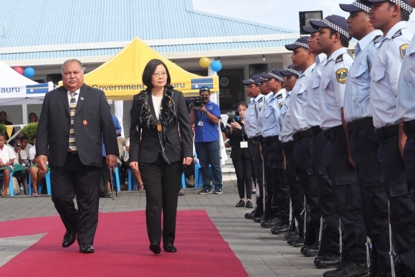 President Baron Waqa (left) welcoming President Tsai Ing-wen to Nauru last March.