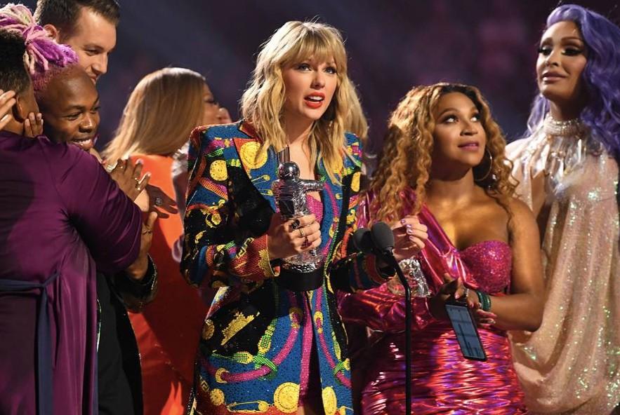 流行天后泰勒絲奪得兩項大獎(圖/MTV VMAS)