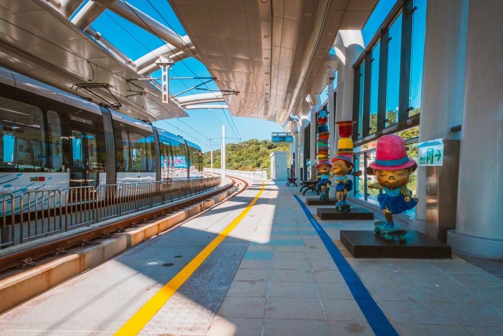 新北捷運公司規畫自9月1日起調整下班尖峰時段淡海輕軌時刻表。(圖/新北捷運公司)