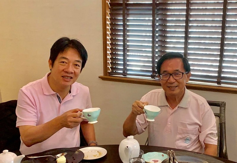 Former Taiwan President Chen Shui-bian (right) (Chen Facebook photo)