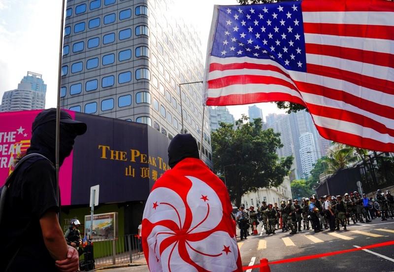 港人8日反送中示威, 以美國領事館為目標 (美聯社)